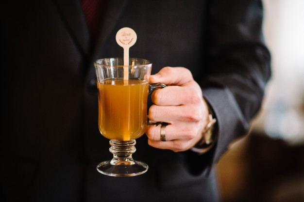 wedding stirrer