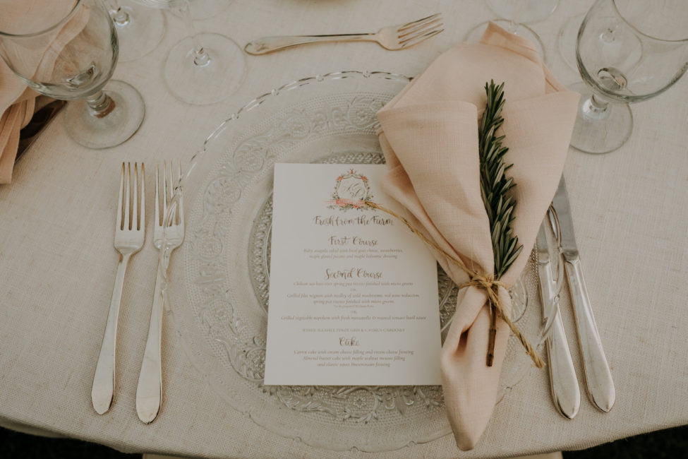 Elegant Table Settings for Summer Wedding